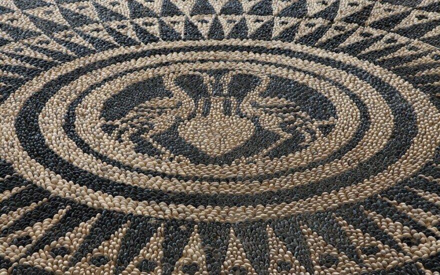 Mozaika po kojomis: originalių takelių idėjos iš akmenukų