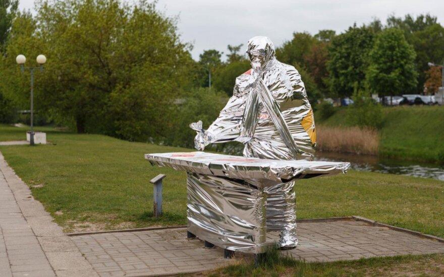 Mįslingai pradingusios Panevėžio skulptūros žadino miestiečių smalsumą