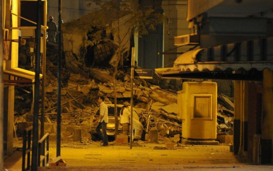 Rio de Žaneire trijų pastatų griūties aukų padaugėjo iki 16