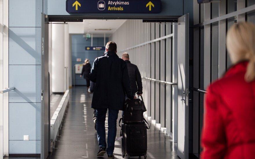 Vilniaus oro uoste sulaikytas 7 metus teisėsaugos ieškotas vyras