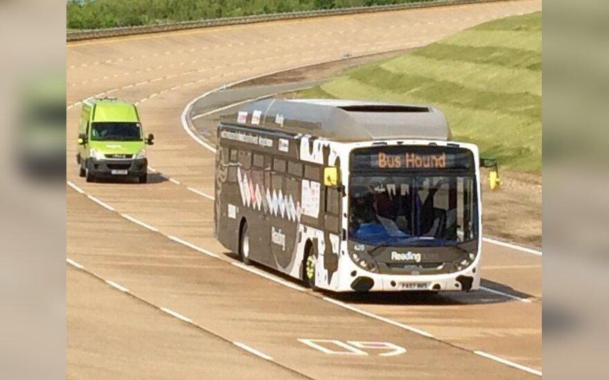 Karvių mėšlu varomas autobusas