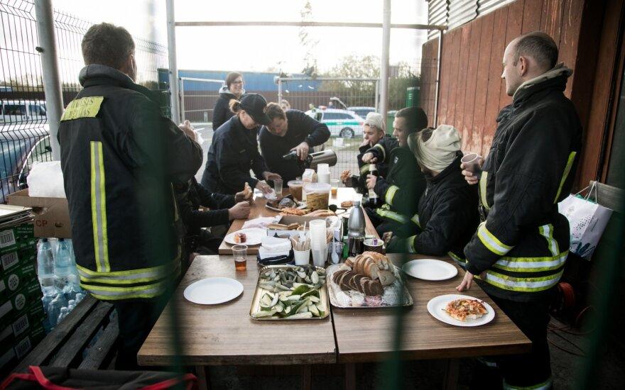 """Gaisras """"Ekologistikoje"""": įtarimai pareikšti Alytaus priešgaisrinės tarnybos vadovui"""
