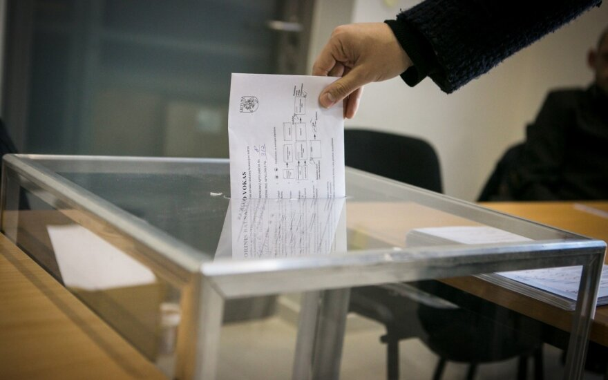 Important day: Lithuanians voted in presidential election and two referenda