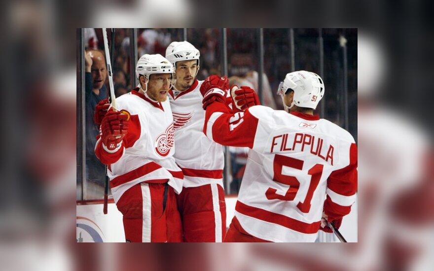 NHL Vakarų konferencijos finale Detroito klubas iškovojo trečiąją pergalę