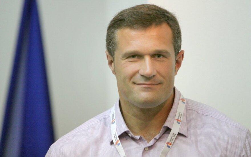 Karjeros posūkis: olimpinis čempionas V.Alekna tapo ministerijos patarėju