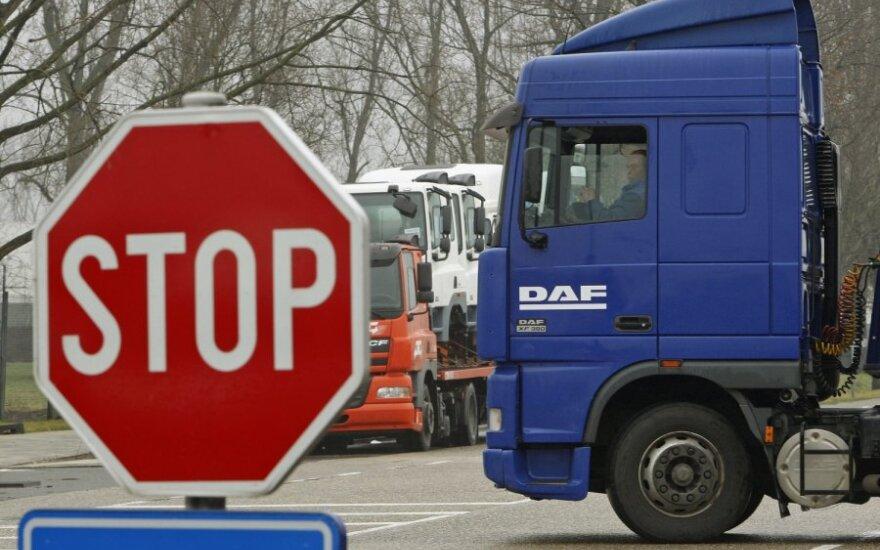 Pernai Lietuvoje sunaikinta daugiau kaip 2 tūkst. t nesaugių maisto produktų