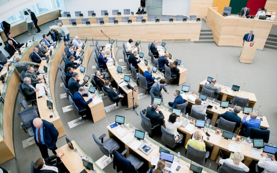 Morning Seimas seating