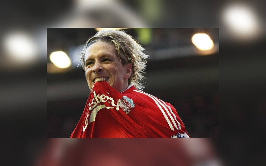 "Fernando Torresas (""Liverpool"")"