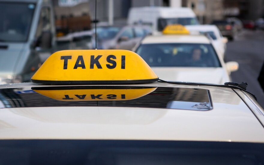 Taxi driver killed in Estonia, suspects arrested in Lithuania