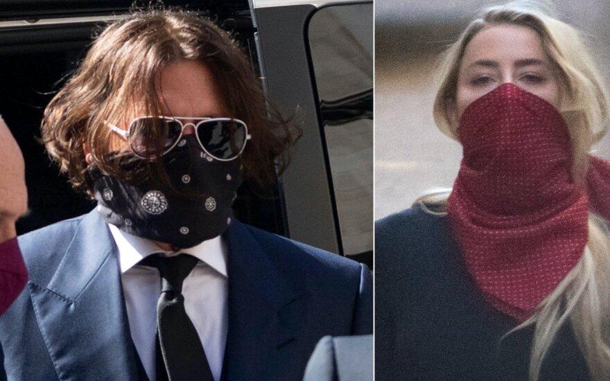 Johnny Deppas ir Amber Heard atvyko į teismą Londone