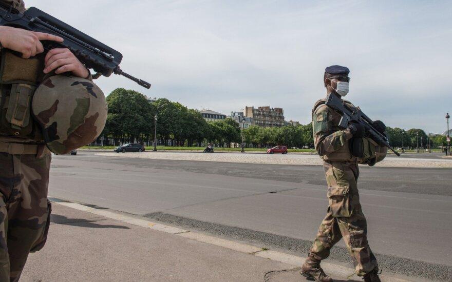 Malyje per pakelės bombos sprogimą sužeisti trys JT pajėgų kariai