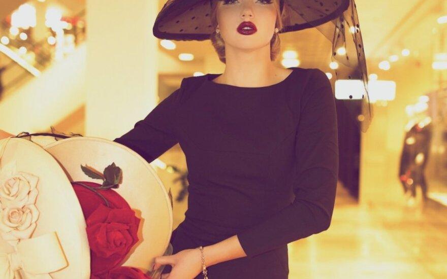 Nebijančioms išsiskirti iš minios - Annos Mois skrybėlaičių kolekcija