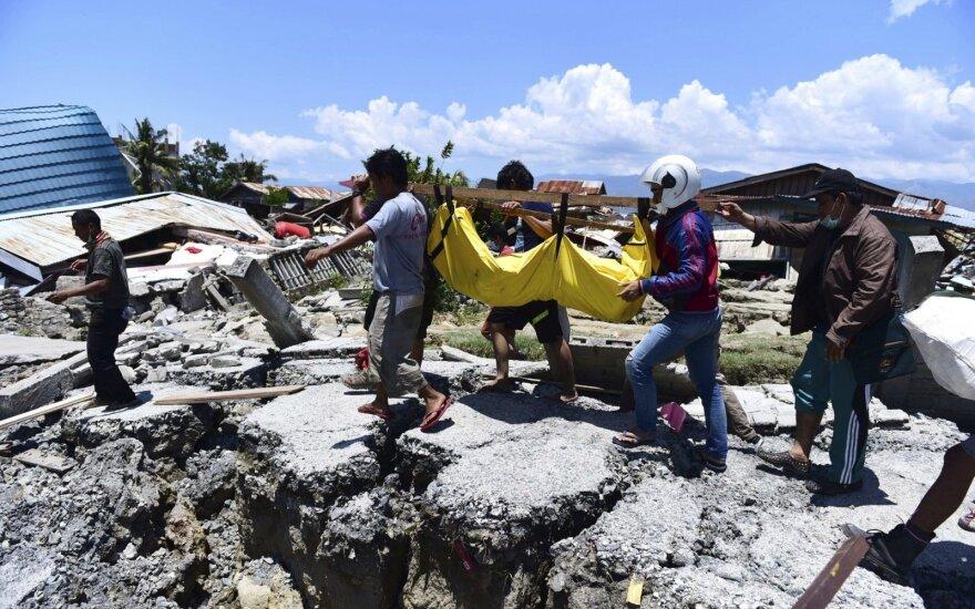 Indoneziją supurtė nauji smūgiai