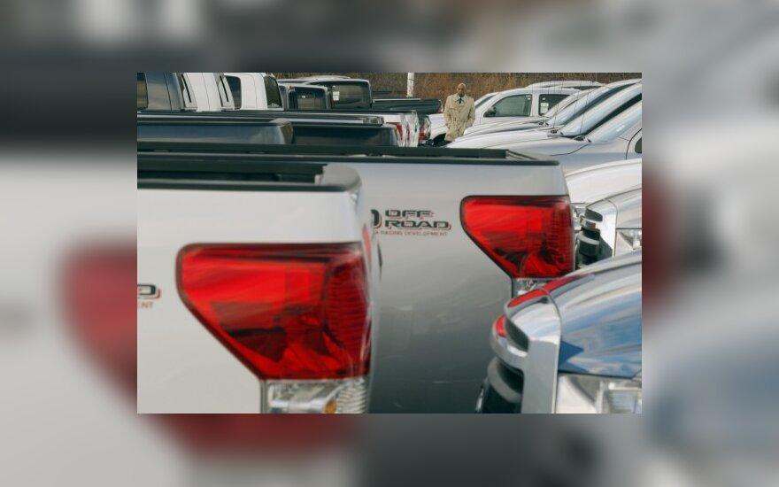 Kinijoje automobilių pardavimai išaugo daugiau nei dvigubai
