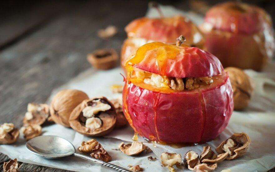 Nuodėmingas desertas: sūriu įdaryti vaisiai