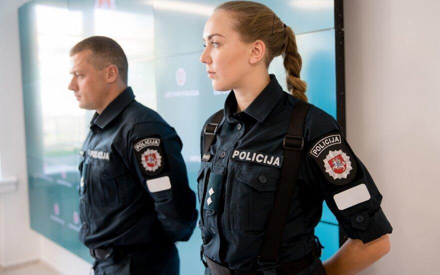 Prasidėjo policijos perrengimas – naujos uniformos patvaresnės, patogesnės ir gražesnės