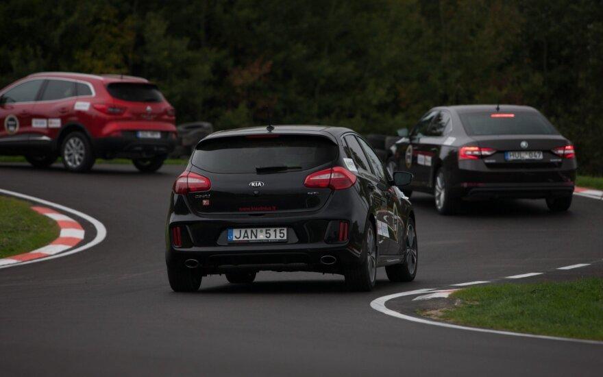 """""""Top Gear"""" vairavimo akademijoje galima dalyvauti savo automobiliais"""