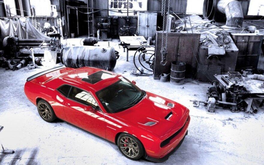 Automobilis Dodge Challenger SRT Hellcat