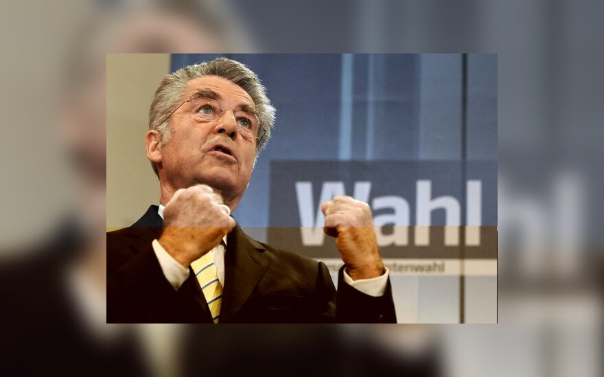 Austrijos prezidentu antrai kadencijai perrinktas H.Fischeris