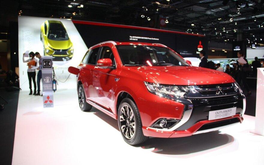 """""""Mitsubishi Outlander PHEV"""""""
