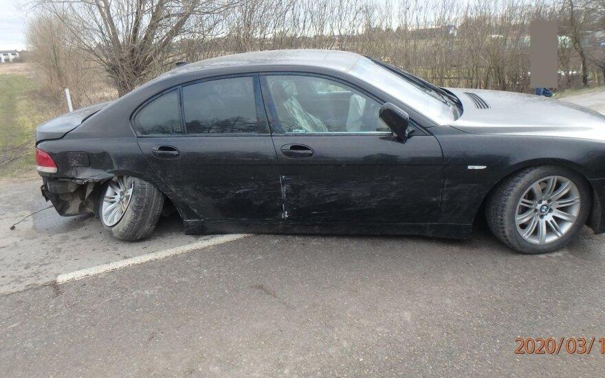 Kauno rajone girtas vairuotojas sukėlė avariją