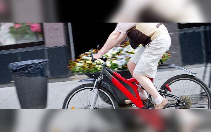 Siūlo dviratininkų draudimą
