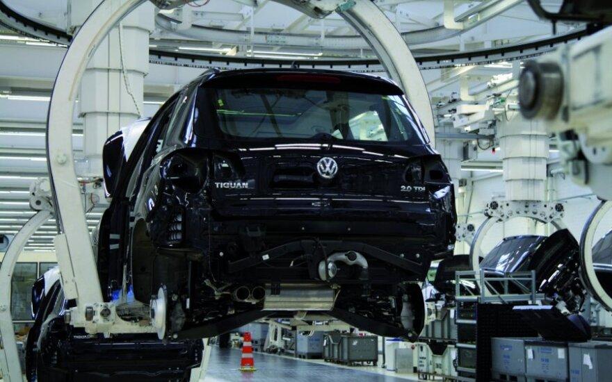 """""""Volkswagen"""" Kinijoje statys dar 2 gamyklas"""
