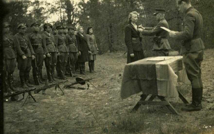 Karbauskis siūlo svarstyti Ramanauską-Vanagą pripažinti Lietuvos vadovu