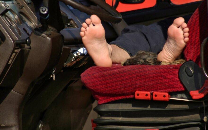 Miegantis vairuotojas