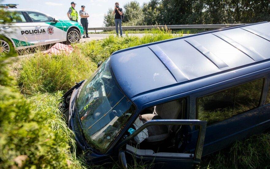 Tragiškas įvykis šalia Vilniaus – mikroautobuso vairuotojas negyvas