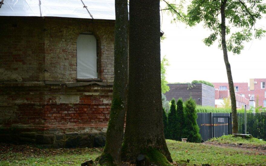 Cerkvės kaimynystėje - prabangūs kauno pasiturinčiųjų būstai.