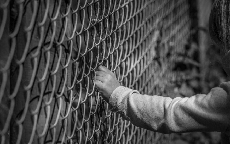 Paaugliai žaislus keičia į ginklus: buriasi į grupes, smurtauja, vagia ir nieko nebijo