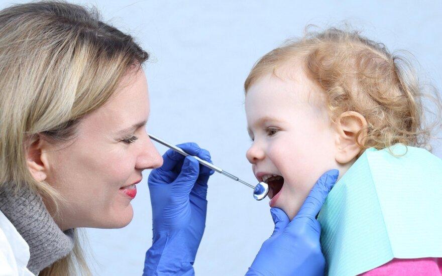 Neskubėkite atverti piniginės: už vaikų dantų gydymo paslaugas sumoka ligonių kasos