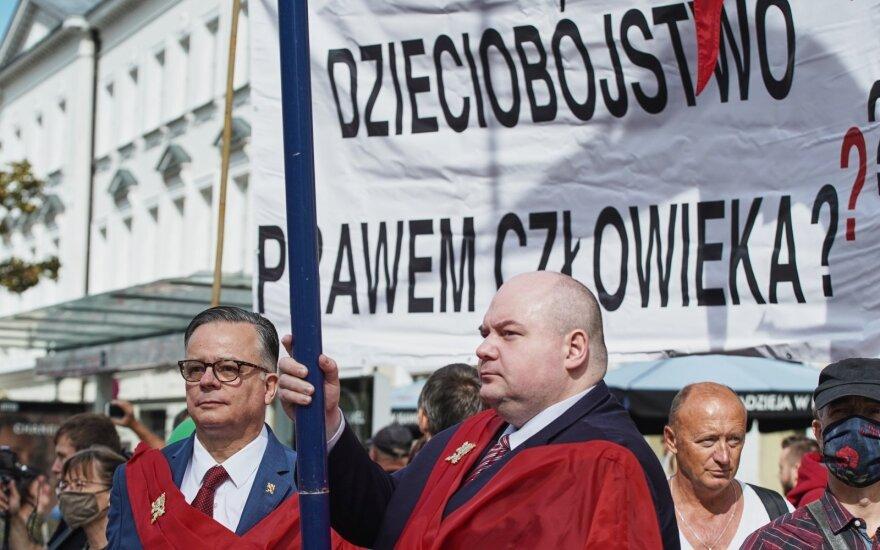"""Petro Skargos asociacijos atstovai eitynėse """"Už gyvybę"""" (Dariusz Golik / """"Fundacja reporterów nuotr.)"""