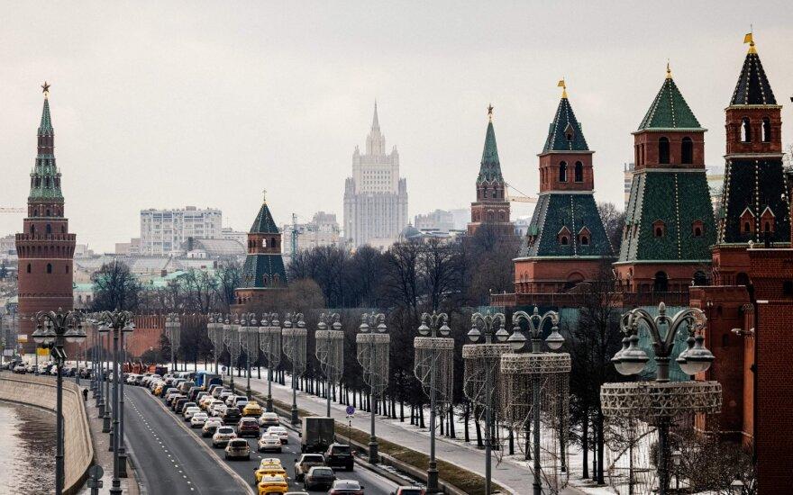 JAV įveda naujas sankcijas Rusijai, išsiunčia 10 rusų diplomatų