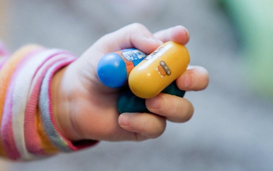 Bumsių ir limpakojų triukai: kodėl išnaudojami mūsų vaikai?