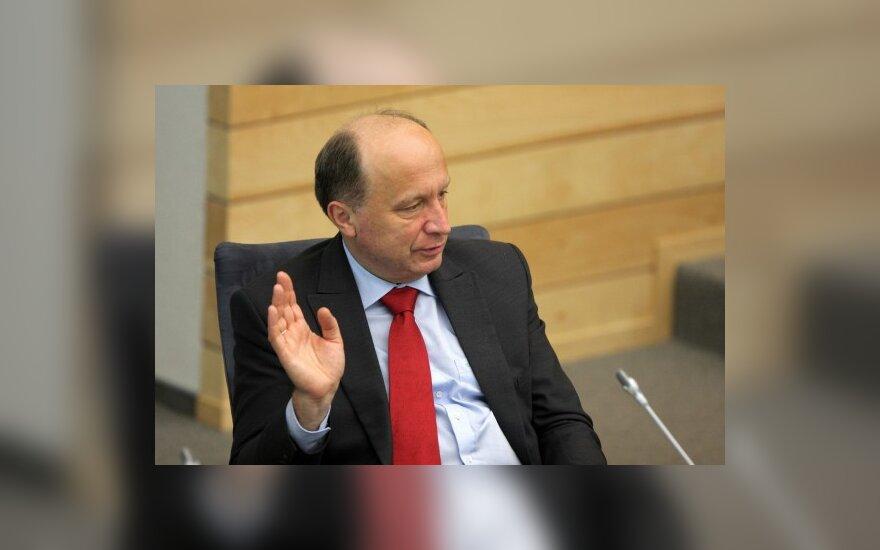 A.Kubilius žada dar kartą apsvarstyti vizų režimo švelninimą Kaliningrado sričiai