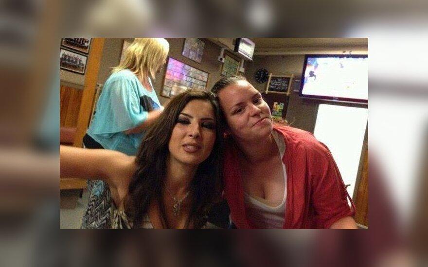 Randa Armstrong ir Stephanie (dešinėje)