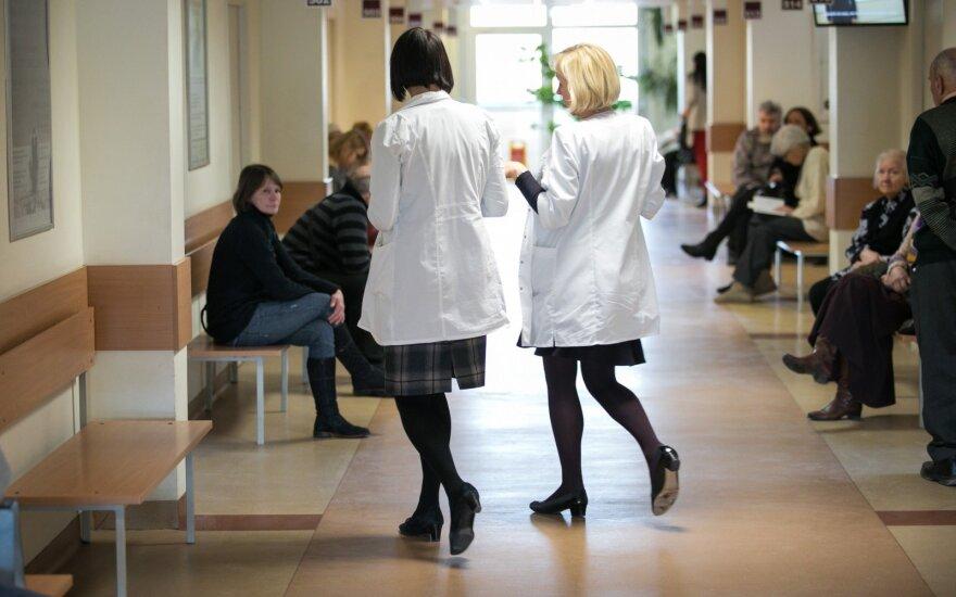 Už darbą kenksmingomis sąlygomis medikams – tušti pažadai