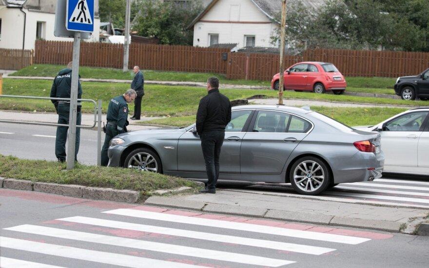 S. Batoro gatvėje automobilis pesčiųjų perėjoje partrenkė moterį