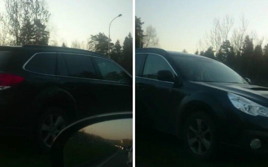Nufilmavo ryte pastebėtą keistą Vilniaus vairuotojo elgesį – pasibaisėjo įžūlumu