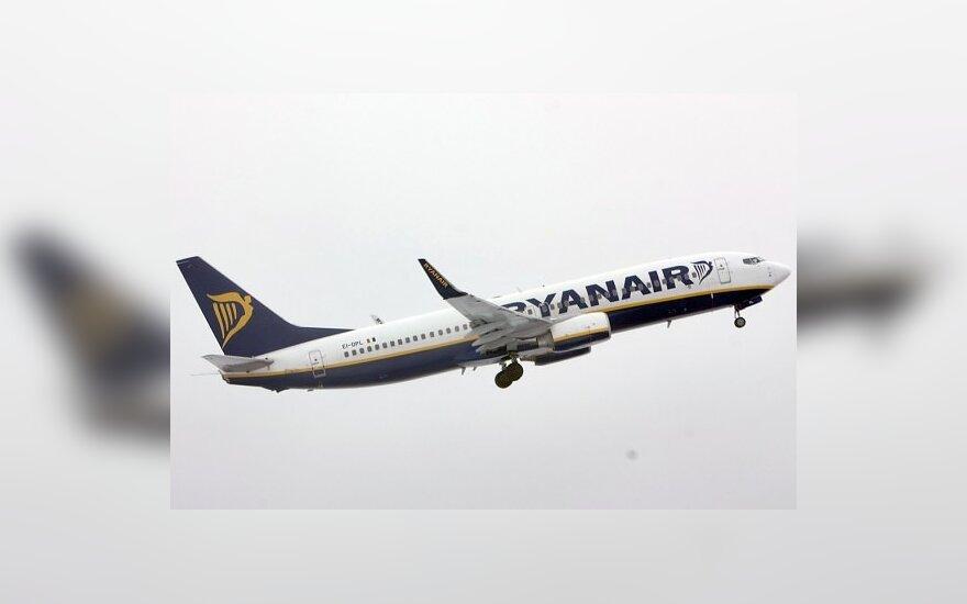 """Atidėtas """"Ryanair"""" skrydis į Londoną"""
