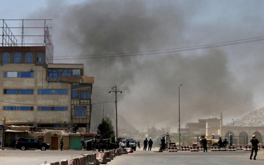 Per 48 valandas Afganistane žuvo mažiausiai 38 kariškiai ir civiliai