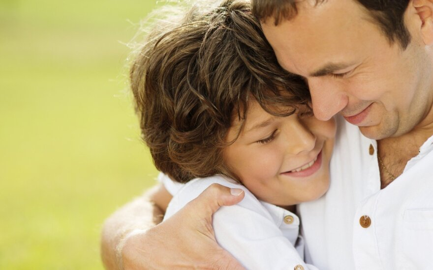 Trys berniukų raidos stadijos ir tėvų vaidmuo
