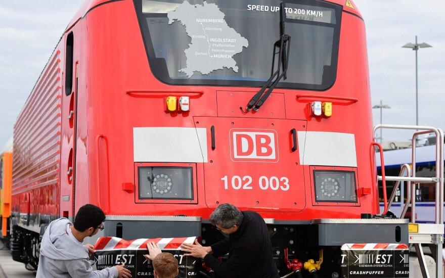 """""""Ukrzaliznycia"""" ir """"Deutsche Bahn"""" pasirašė strateginės partnerystės susitarimą"""