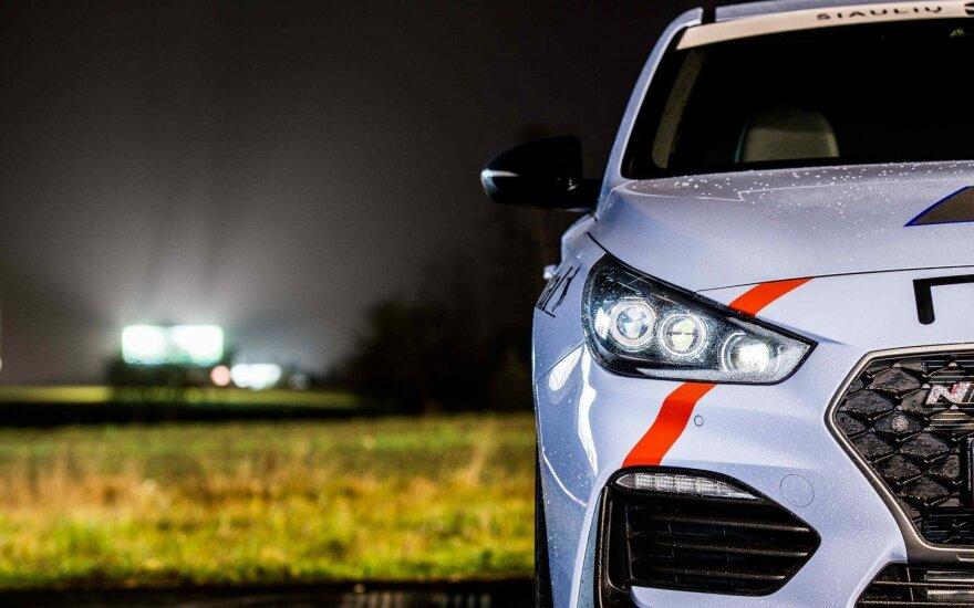 """TopGear Lietuva"" renka metų sportinį automobilį"