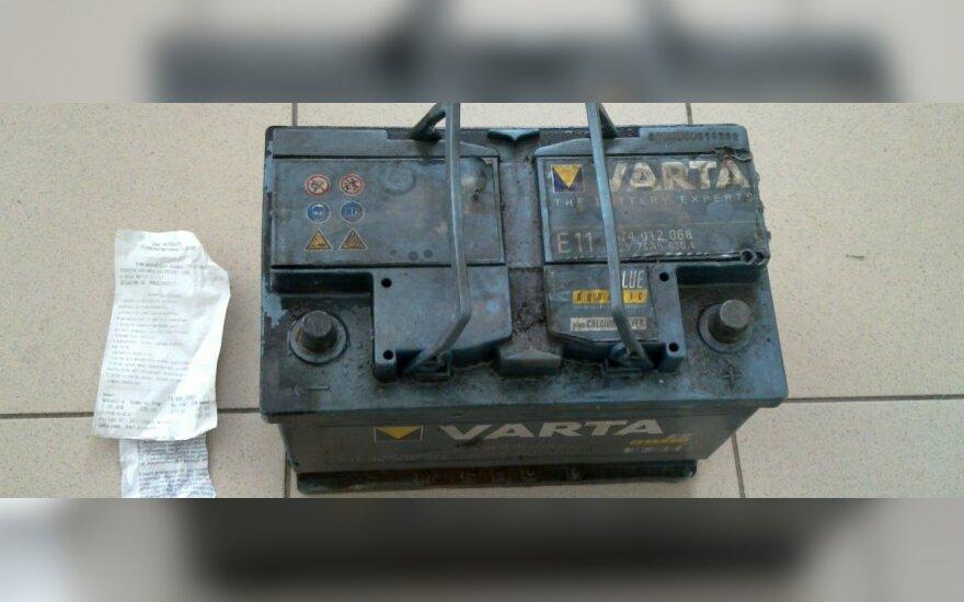 Panaudotą akumuliatorių – į šiukšlių konteinerį?