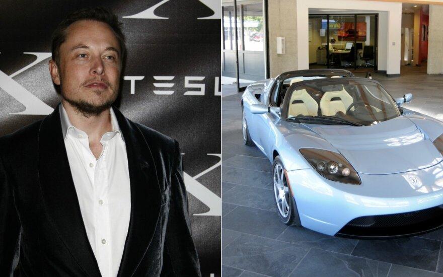 """Perėjusi pragarą """"Tesla"""" atsigauna: 7 diagramos rodo Muską vėl stojantis ant kojų"""