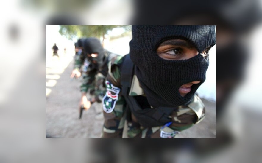 Buvusi MI-5 vadovė: karas Irake padidino teroro aktų grėsmę