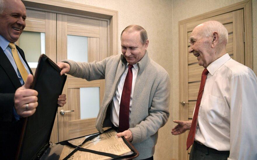 Sergejus Čemezovas, Vladimiras Putinas, Lazaras Matvejevas